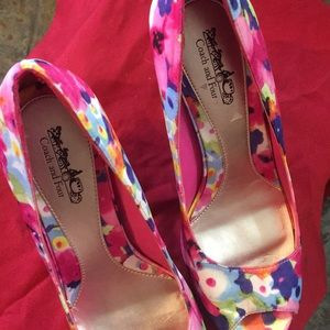 Coach and Four fun floral heels with platform. 8M
